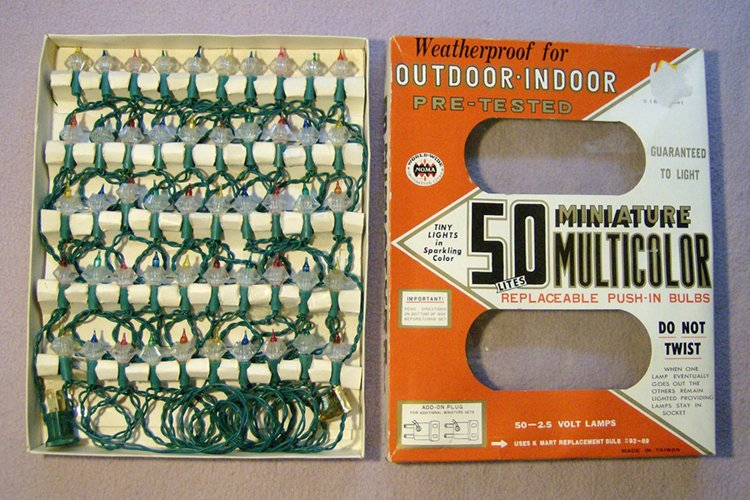 50 light miniature set with fluted reflectors this set was imported by noma world wide which dates it to after 1967 by then noma had reorganized and was - Reflector Christmas Lights